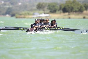 sales and marketing alighnment is like a team rowing in unison